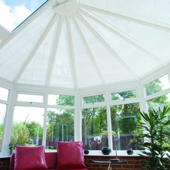 Conservatory roof with blinds